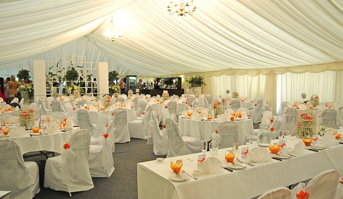 Tent marquee hire asian wedding event management for Asian wedding stage decoration manchester
